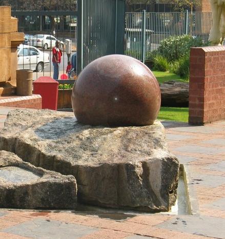 Stone Ball Fountain Kugelbrunnen Rolling Sphere Fountain